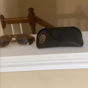 Ray Ban sunglasses new with case Perfectcondition